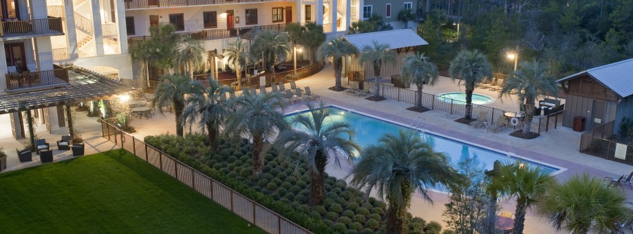 Redfish Village – Event Green and Pool